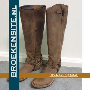 Sancho boots hoog met studs bruin Broekensite jeans casual